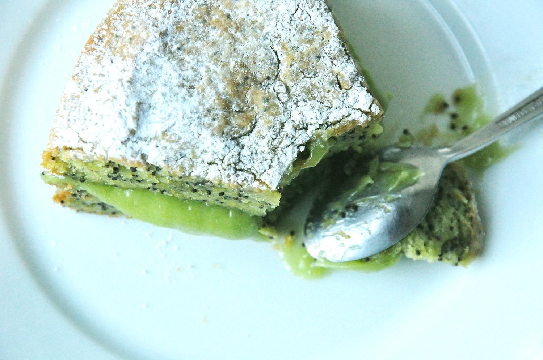Gâteau à l'avocat et aux graines de pavot